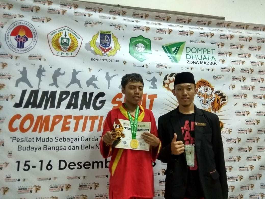 Siswa SMP-SMA Al Qur'an Wahdah Cibinong borong gelar Juara di Kejuaraan Silat Jampang Competition